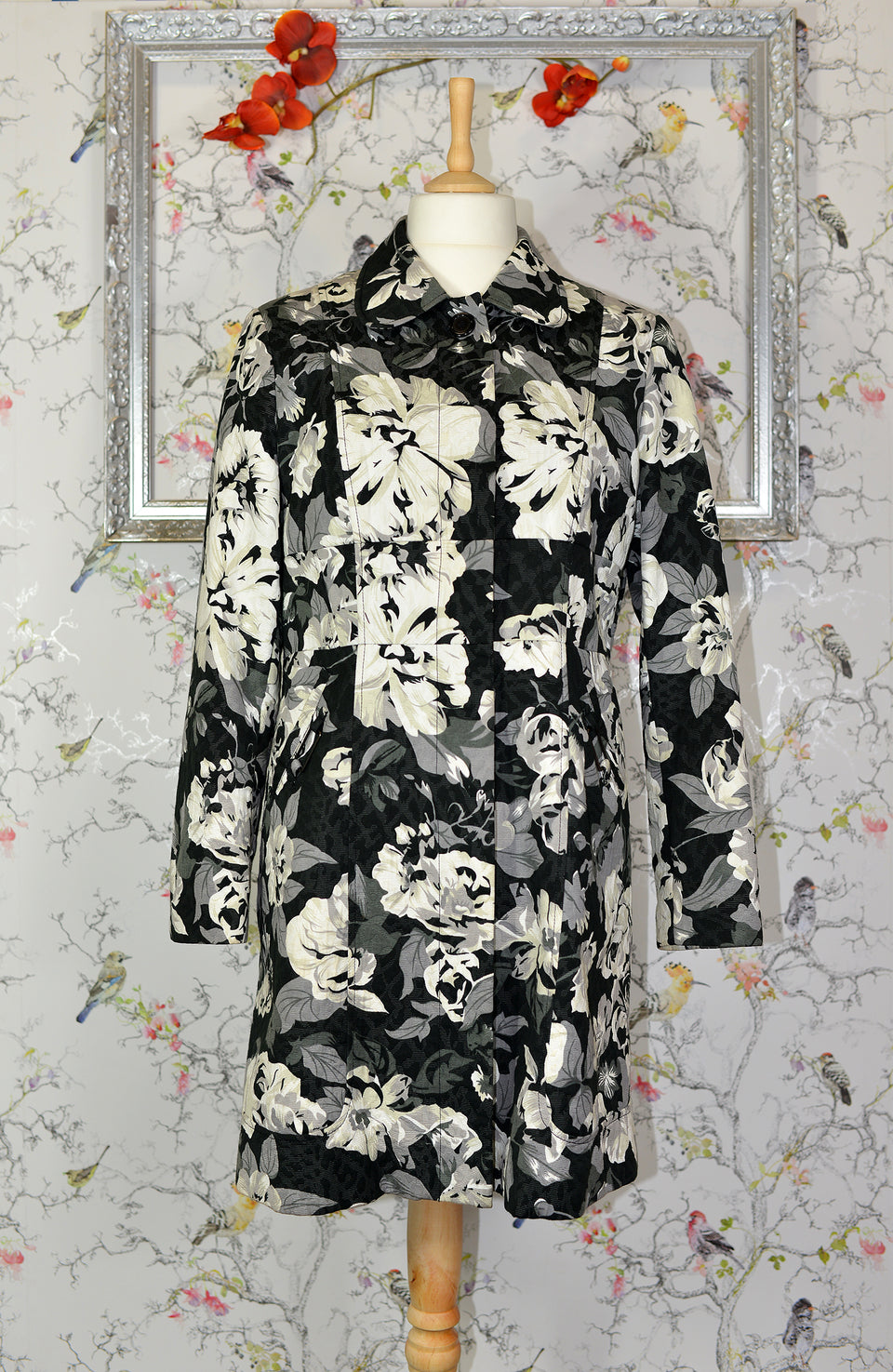 NEXT Women's Black, Grey and White Floral Coat, Size 16. Pre-loved.