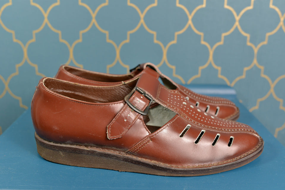 CEBO Men's Brown Leather Sandals, Size 6. Vintage.