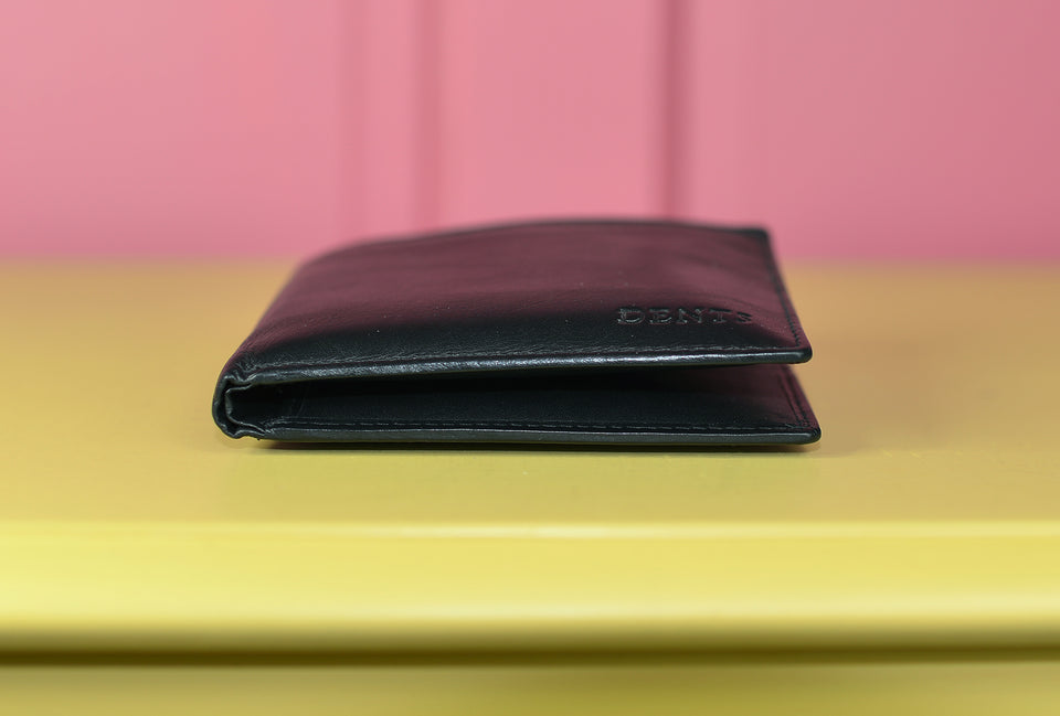 DENTS Men's Black Leather Billfold Wallet. Like New.