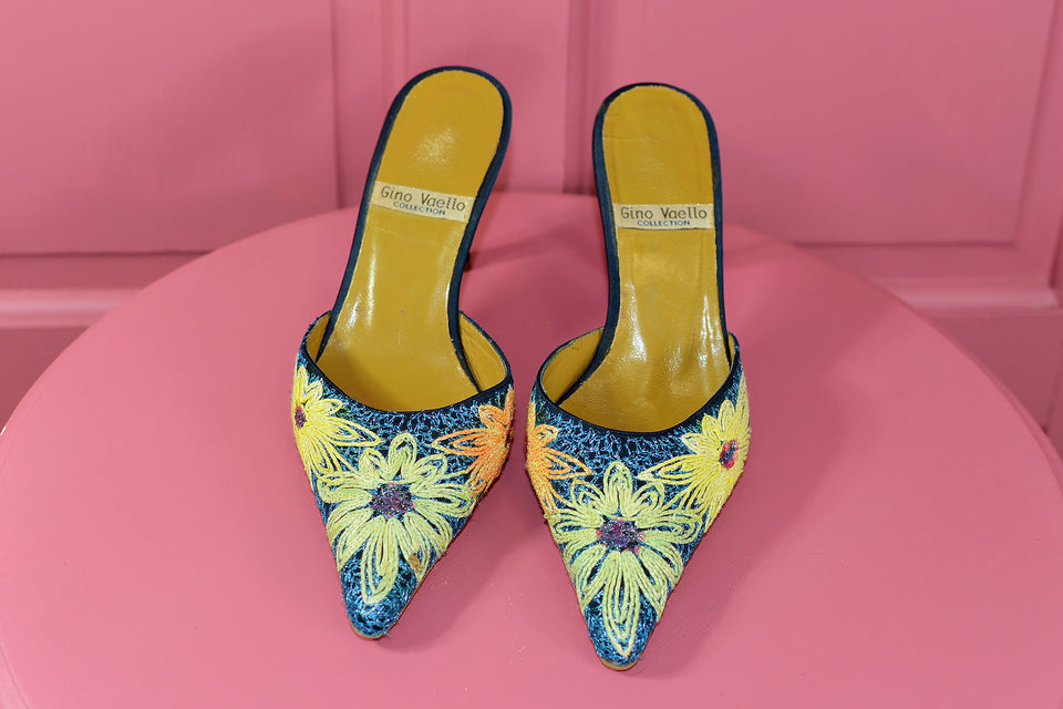 GINO VAELLO Women's Embroidered Mules, Designer Slip on Shoes, Size 37. Pre-loved.