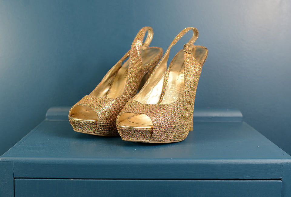 Madden Girl 'Jassper' Gold Shimmer High Heels, Size 7.5. Pre-loved.
