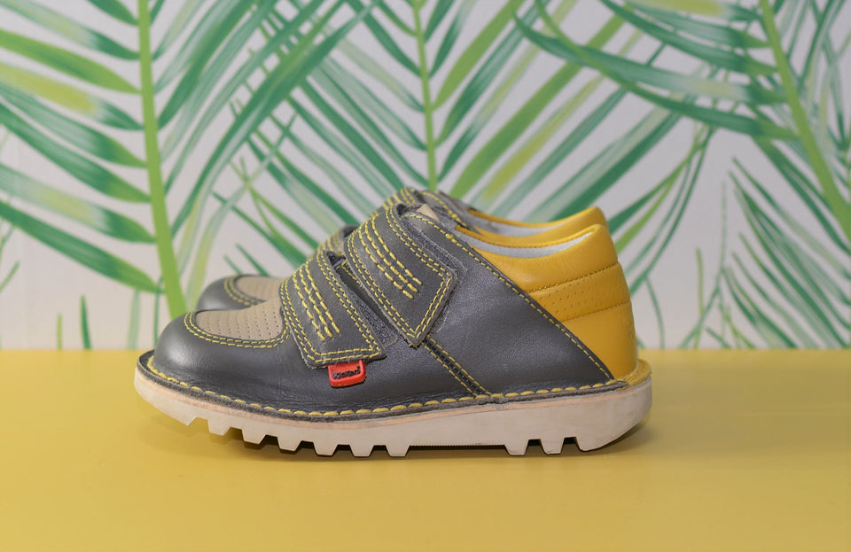 KICKERS Kids Leather Shoes Yellow & Grey. Size 28. Pre-loved.