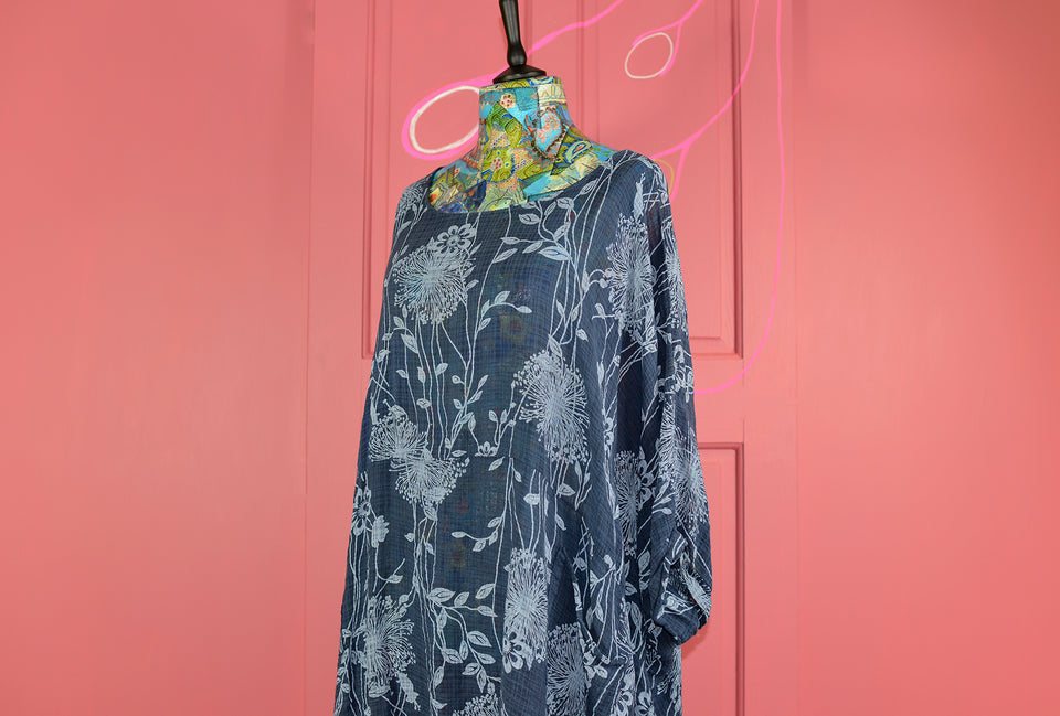 Two Tone Blue Floral Women's Floaty Batwing Shirt, Size L/XL. Pre-loved.