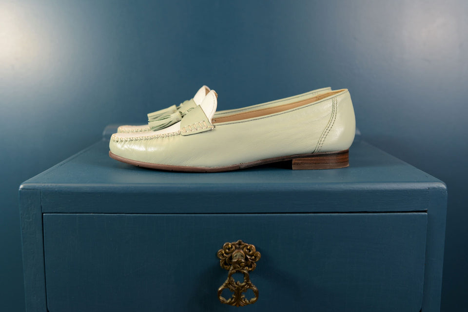 Ogetti CARL SCARPA Women's White & Mint Leather Loafers, Size 5 (38). New