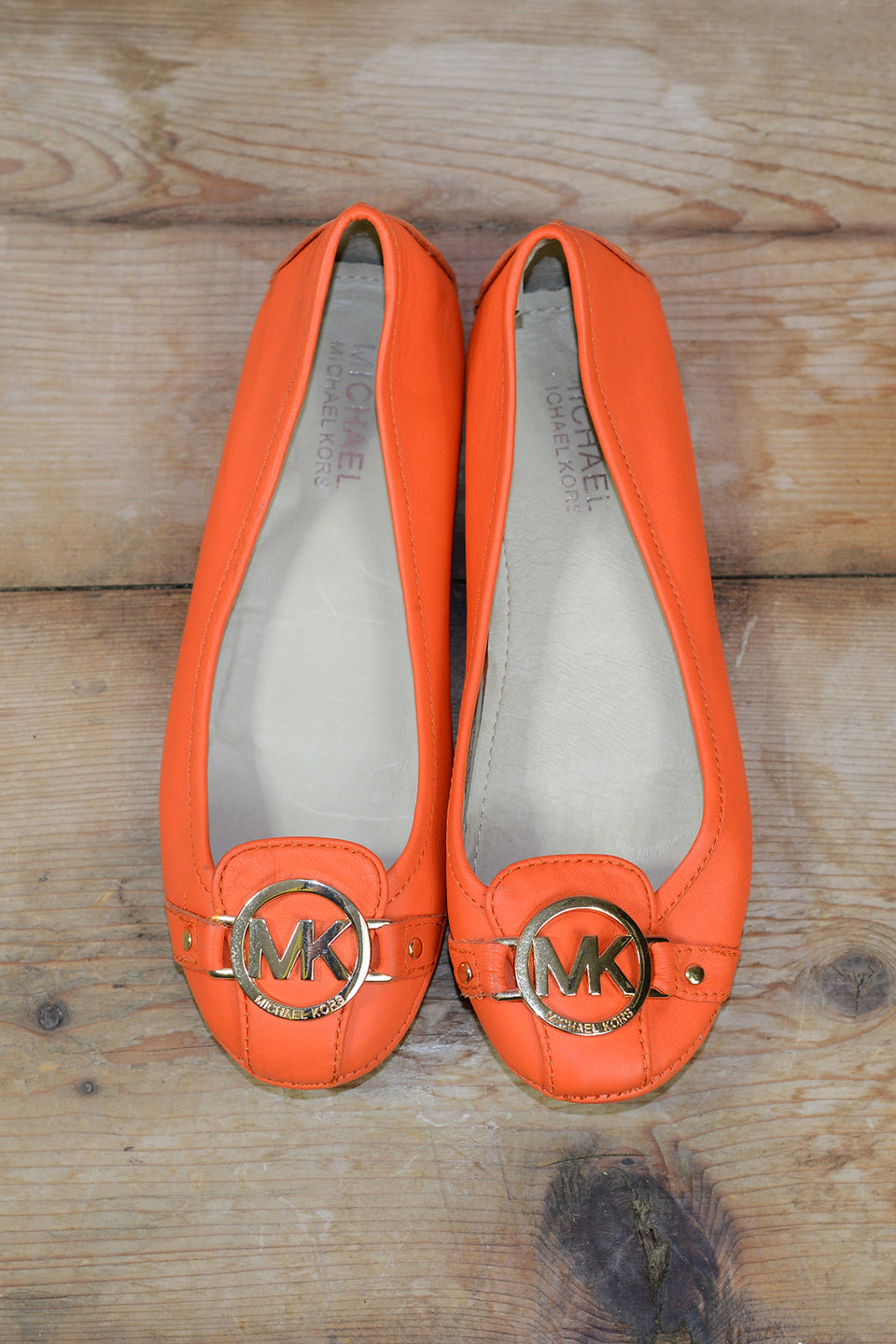 MICHEAL KORS Orange Leather Ballet Flats Size 37. Pre-loved.