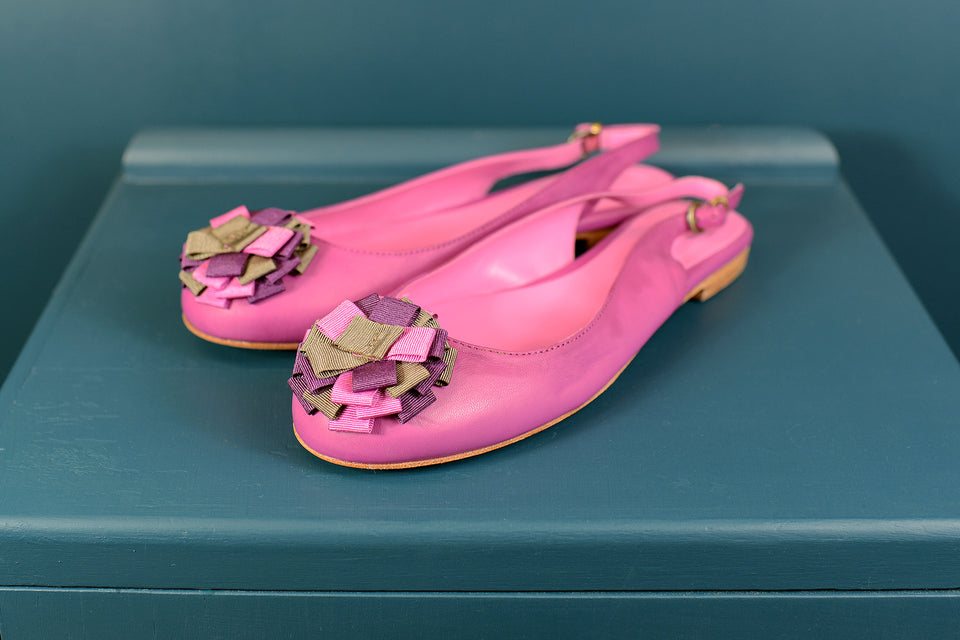 BODEN Violet Pink Rosette Slingbacks, Size 39. New with box.