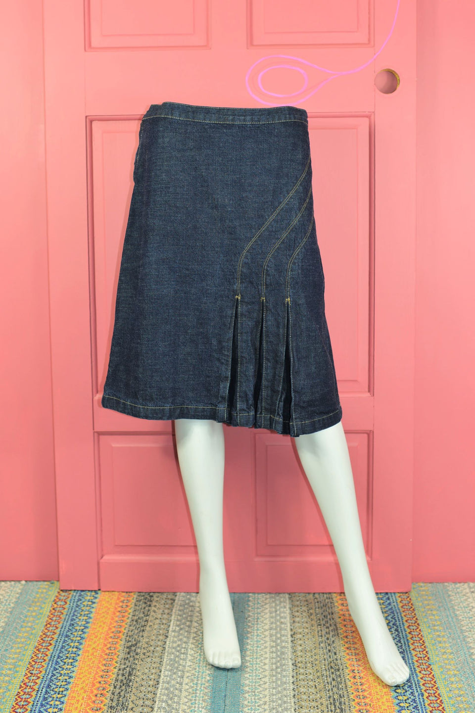 JOHN ROCHA Dark Denim Pleated Mini Skirt, Size 12. Pre-loved.