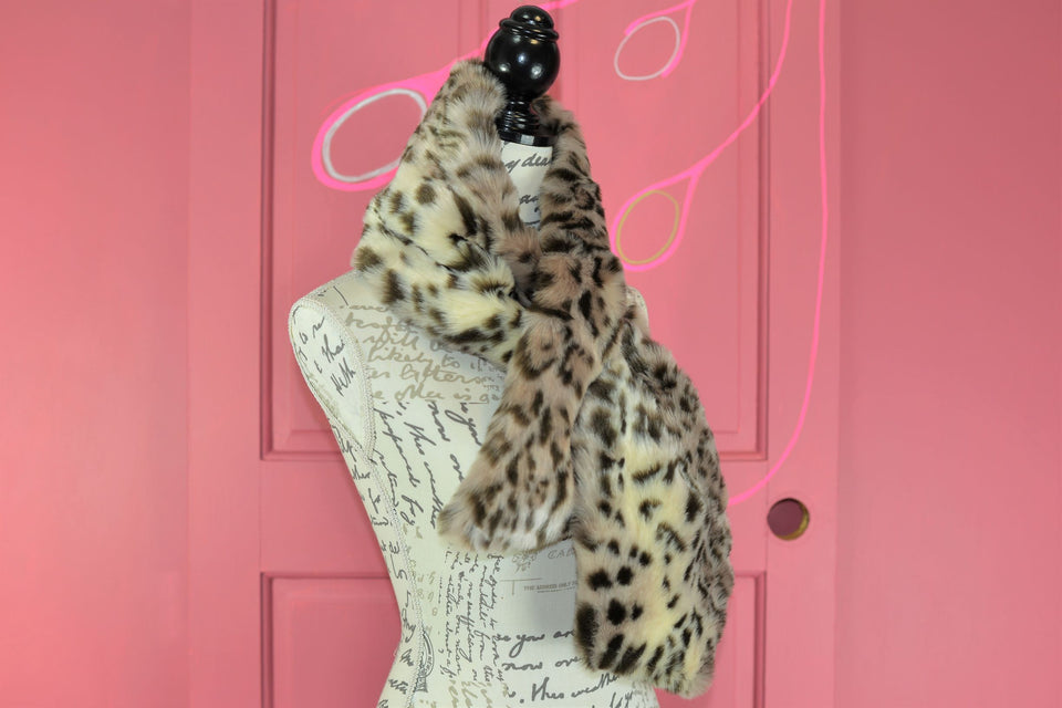 RUBY AND ED Leopard Faux Fur Collar Scarf. New with tags.