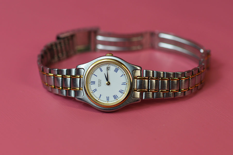 SEIKO Women's Watch, Stainless Steel Adjustable Bracelet Strap. Pre-loved.