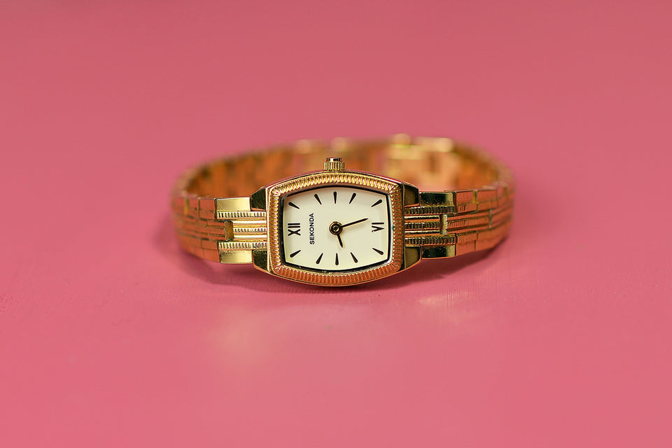 SEKONDA 4007 Women's Classic Gold Bracelet Watch, New Battery. Pre-loved.