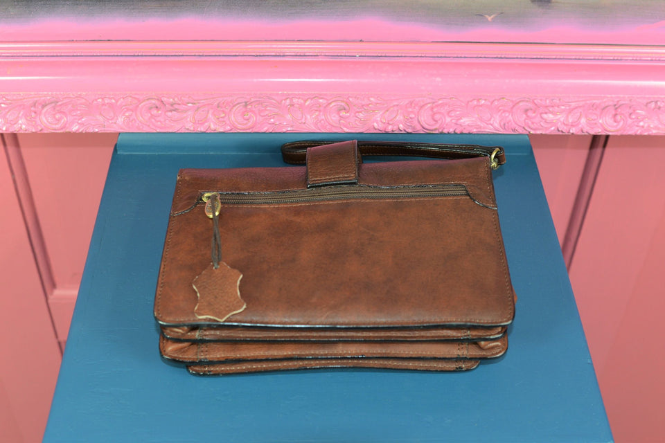 VIN PELL Brown Leather Wrist Bag, Pre-loved.