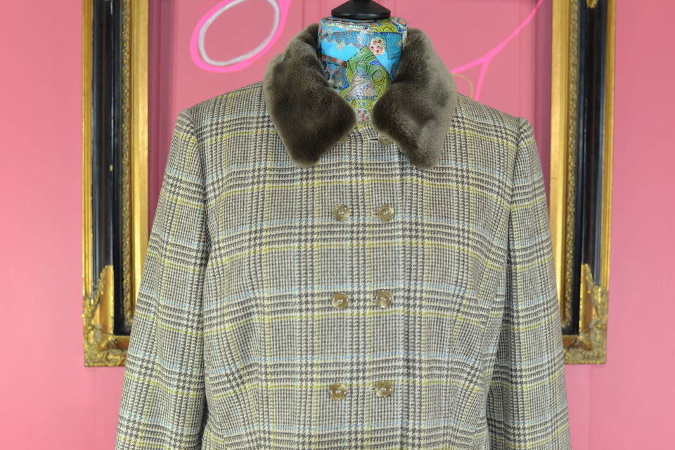 VIYELLA Women's Wool Jacket with Detachable Fur Collar, Size 16. New with tags.
