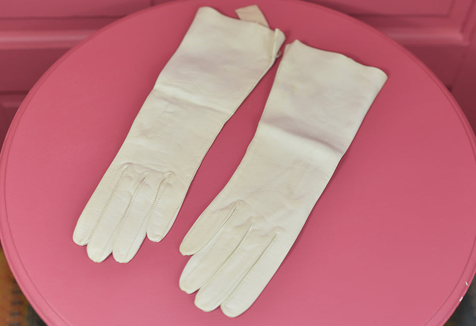 G F GRANATA Italian Off-White Leather Vintage Opera Gloves, Size 6.5. New.