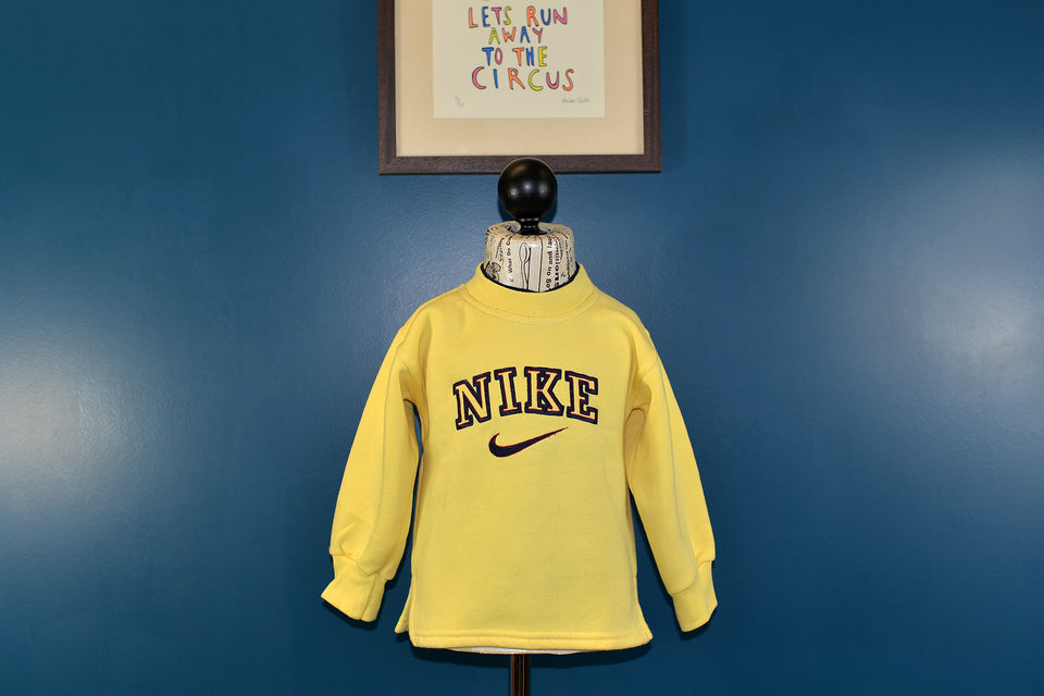 Kids NIKE Yellow Sweatshirt, Size 3 Years. Pre-loved.