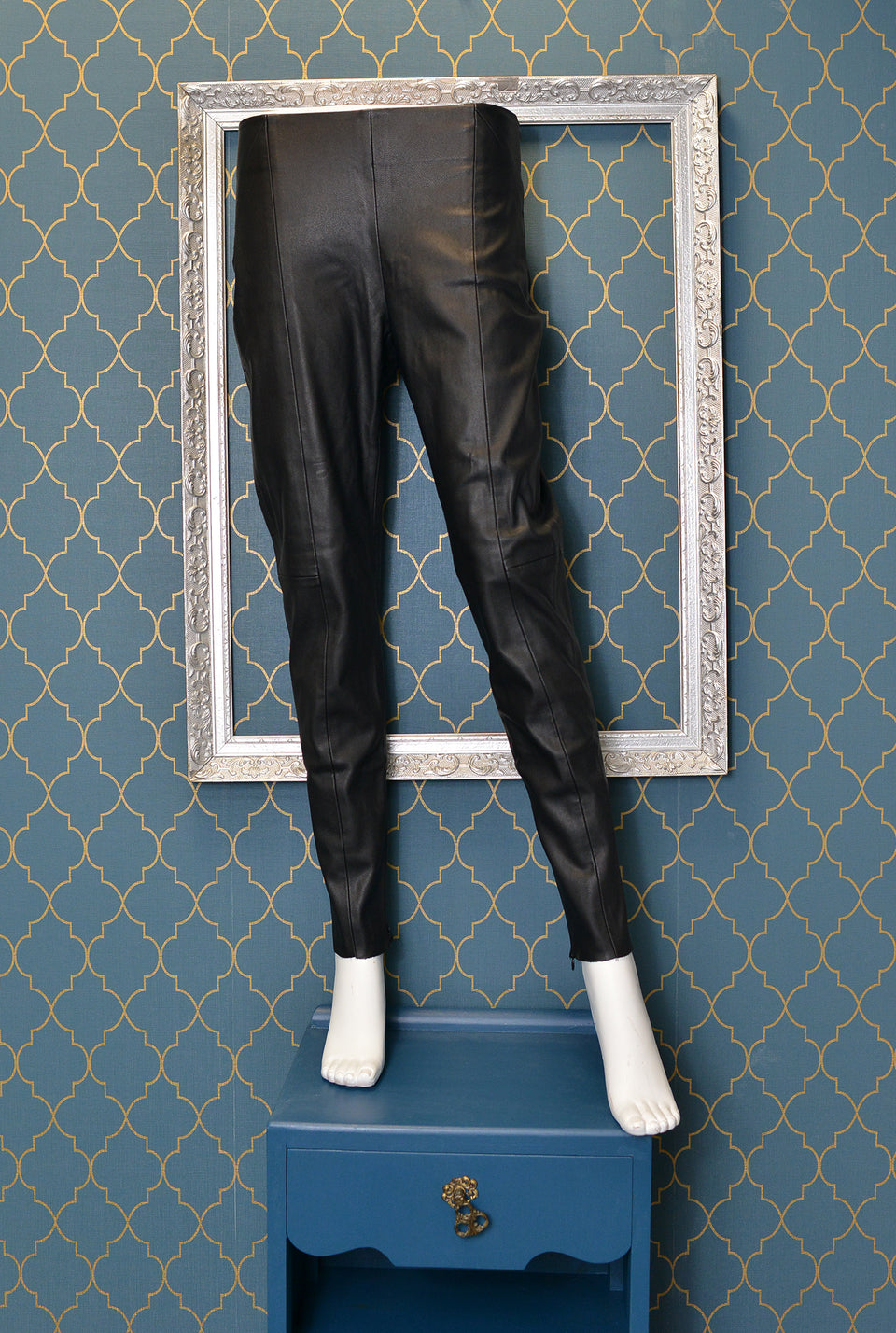 ZARA Women's Black Faux Leather Slim Leg Trousers/Cigarette Pant. Size M. Pre-loved.