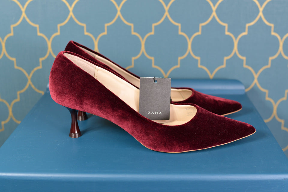 ZARA Women's Burgundy Velvet Style Heels, Size 40 (6.5). New with tags.