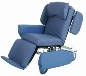 Regency R2900D – High Dependency Care and Trauma Chair, 180kg SWL, manual lay flat, tilt forward and reverse, backrest recline – full-length pressure care