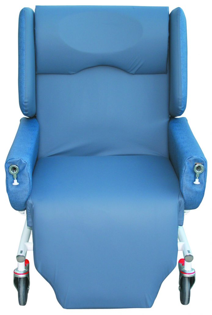 Sertain™ S4401 LGE – Bariatric ITU Chair, 300kg SWL, electric hi-lo, lay flat for pat-slide transfers (59-70cm seat width)