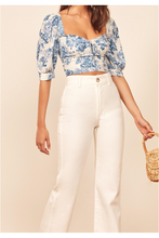 Load image into Gallery viewer, Cerena Floral Crop Top