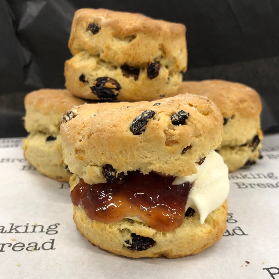 Fruit scones (pack of 4) (Christmas pick up)