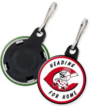 Load image into Gallery viewer, Cincinnati Reds Button Zipper Pull
