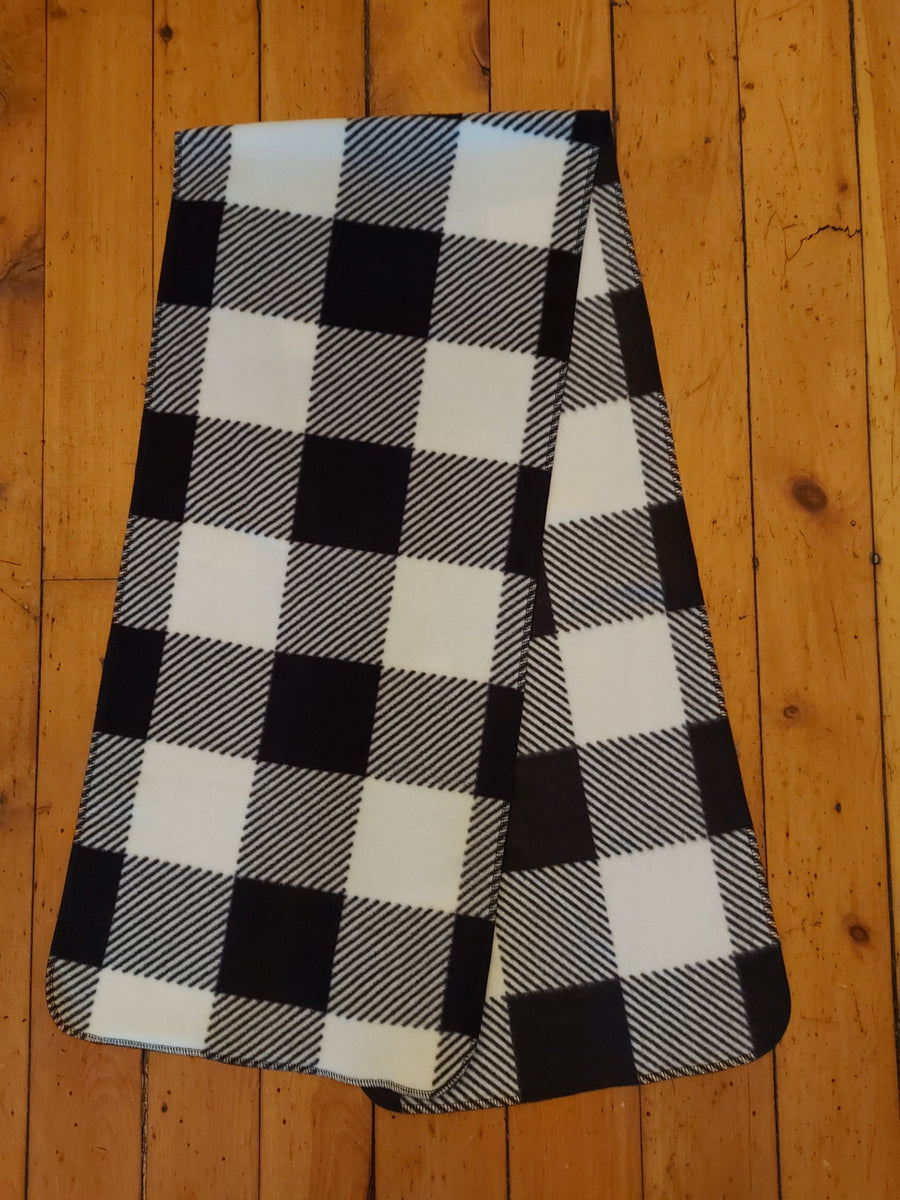 Polar Fleece Wearable Throw Blanket Black/White Buffalo Check (oversize print) - bustleclothing.shop