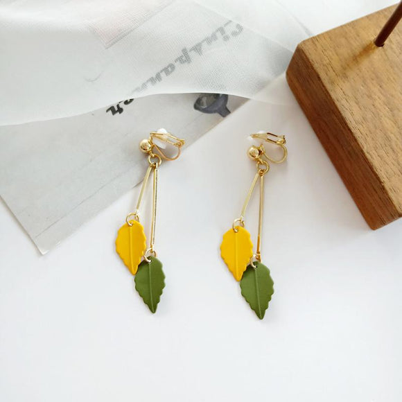 Small Creative Fresh colors leaf earrings - earringsly