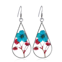 Load image into Gallery viewer, Handmade Epoxy Resin Dried Flower Earrings