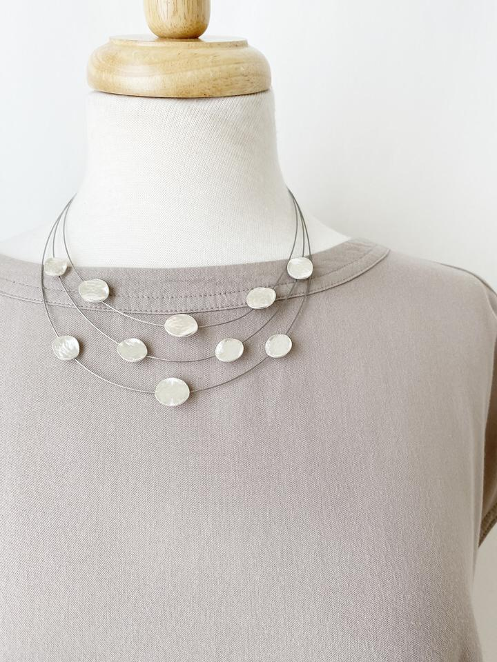 Matte Silver Textured Dots on Wire Necklace