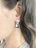 Load image into Gallery viewer, Brushed Silver & Pearl Drop Earring