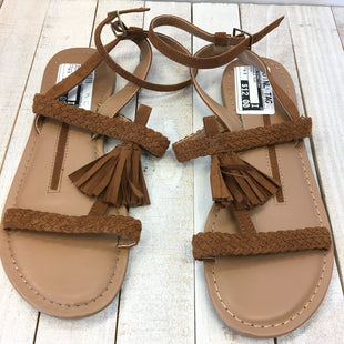 Primary Photo - BRAND: NEW DIRECTIONS STYLE: SANDALS FLAT COLOR: BROWN SIZE: 6.5 SKU: 205-205250-64156