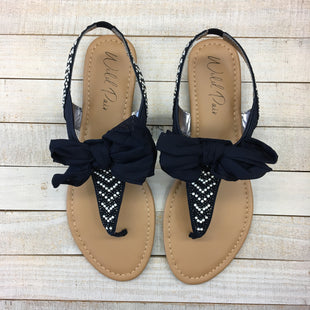 Primary Photo - BRAND:    CLOTHES MENTOR STYLE: SANDALS FLAT COLOR: MULTI SIZE: 9.5 OTHER INFO: WILD PAIR - SKU: 205-205250-78424