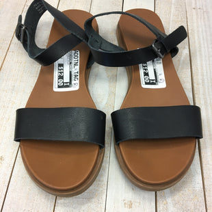 Primary Photo - BRAND: UNIVERSAL THREAD STYLE: SANDALS FLAT COLOR: BLACK SIZE: 7.5 SKU: 205-205250-64675
