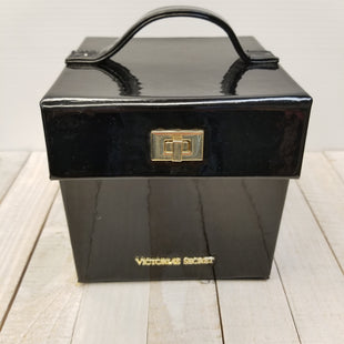 Primary Photo - BRAND: VICTORIAS SECRET STYLE: ACCESSORY TAG COLOR: BLACK OTHER INFO: JEWELRY BOX SKU: 205-205250-80242