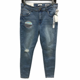 Primary Photo - BRAND: KENSIE STYLE: JEANS COLOR: DENIM SIZE: 10 OTHER INFO: ULTIMATE HIGH RISE SKINNY SKU: 205-205318-4188