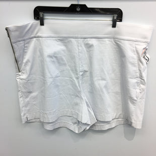 Primary Photo - BRAND: FASHION TO FIGURE STYLE: SHORTS COLOR: WHITE SIZE: 4X SKU: 205-205250-76790
