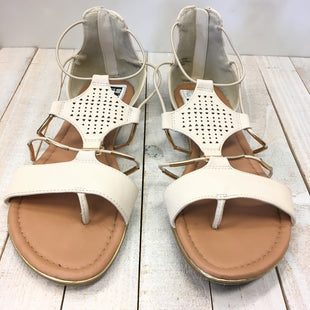 Primary Photo - BRAND: NICOLE STYLE: SANDALS FLAT COLOR: BEIGE SIZE: 8.5 SKU: 205-205250-64194