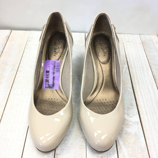 Primary Photo - BRAND: LIFE STRIDE STYLE: SHOES HIGH HEEL COLOR: NUDE SIZE: 6.5 SKU: 205-205250-61462