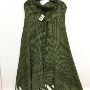 Primary Photo - BRAND:    CLOTHES MENTOR STYLE: PONCHO COLOR: GREEN SIZE: ONESIZE SKU: 205-205250-66527