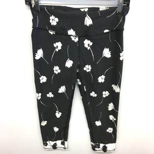 Primary Photo - BRAND: FABLETICS STYLE: ATHLETIC CAPRIS COLOR: BLACK WHITE SIZE: S SKU: 205-205283-1319