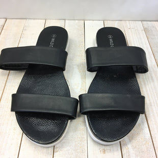 Primary Photo - BRAND: WILD DIVA STYLE: SANDALS LOW COLOR: BLACK WHITE SIZE: 9 SKU: 205-205250-62891