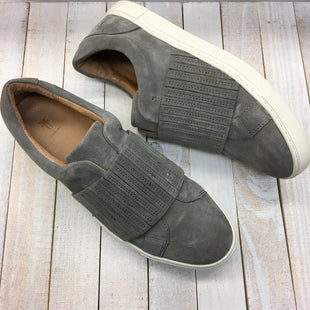 Primary Photo - BRAND: FRYE STYLE: SHOES DESIGNER COLOR: GREY WHITE SIZE: 9 SKU: 205-205250-75290