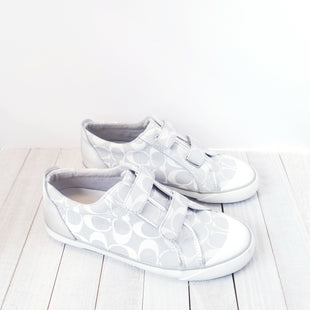 Primary Photo - BRAND: COACHSTYLE: SHOES DESIGNERCOLOR: GREY WHITESIZE: 7.5OTHER INFO: DESIGNERSKU: 205-205250-58121
