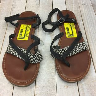 Primary Photo - BRAND: TOMS STYLE: SANDALS FLAT COLOR: BLACK WHITE SIZE: 7 SKU: 205-205299-17057