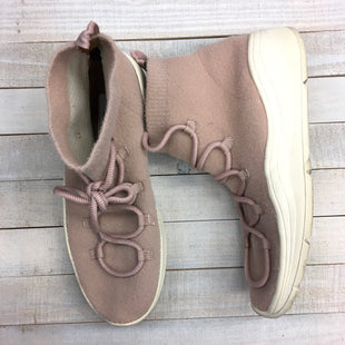 Primary Photo - BRAND: UNIVERSAL THREAD STYLE: SHOES ATHLETIC COLOR: LIGHT PINK SIZE: 9 SKU: 205-205280-17957