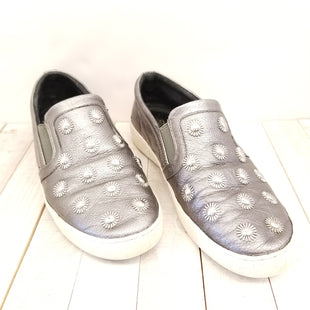 Primary Photo - BRAND: MICHAEL BY MICHAEL KORS STYLE: SHOES FLATS COLOR: GREY SIZE: 8 SKU: 205-205299-13781