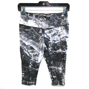 Primary Photo - BRAND: NIKE STYLE: ATHLETIC CAPRIS COLOR: GREY WHITE SIZE: M SKU: 205-205250-69593