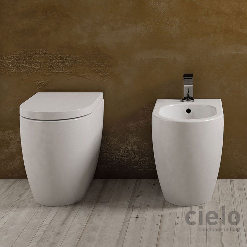 Back to wall sanitary WC toilet bidet soft-close seat Cielo Smile