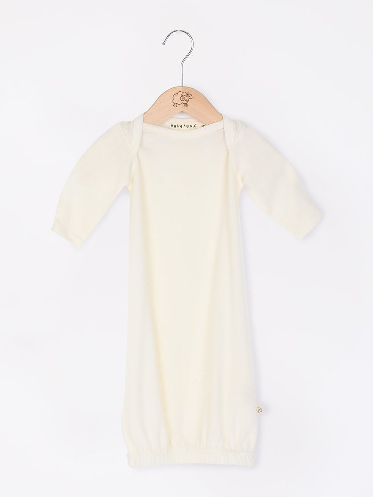 mokopuna sleepsuit gown in merino with envelope neckline, built-in mitts and elastic bottom in size 000_lily