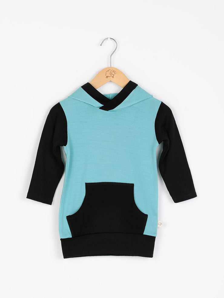 mokopuna merino sweatshirt with hood, pockets and long sleeves in size 0_tea leaf black